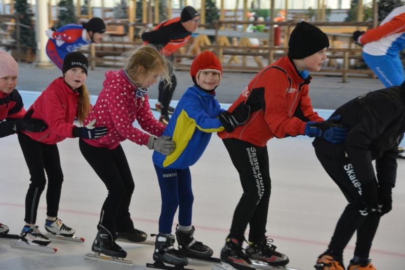 Feestelijke kick-off van Plezier en Vertier in Nieuw-Middelburg en Dauwendaele